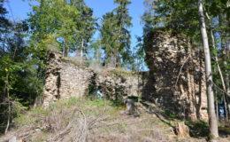 K čemu vlastně sloužila tajemná stavba ukrytá v šumavském lese?